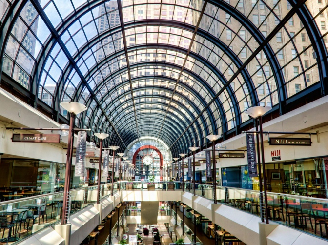 Best Bay Area malls to shop (or avoid) this holiday season